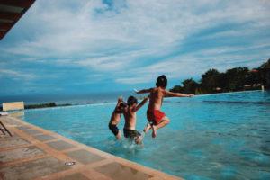 come organizzare una festa in piscina per bambini