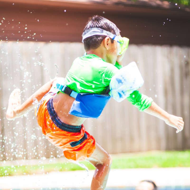Giochi per bambini durante un Pool Party