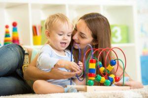 come gestire neonati e bambini piccoli ad un festa di compleanno